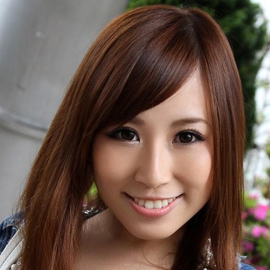 【北川エリカ】笑顔で男を痴女る淫乱巨乳お姉さんの動画像、SNS情報