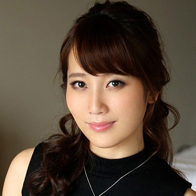 【倉多まお】巨乳巨尻で色気ムンムン美女の動画像、SNS情報