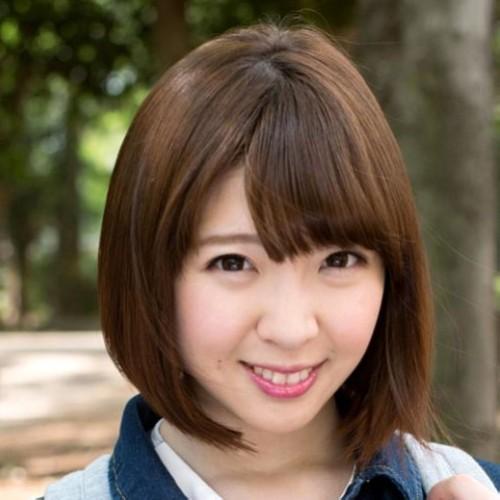 【かなで自由】ショートカットなロリ系巨乳美少女の動画像、SNS情報