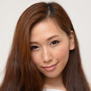【佐山愛】笑顔で男を責める爆乳美痴女お姉さんの動画像、SNS情報