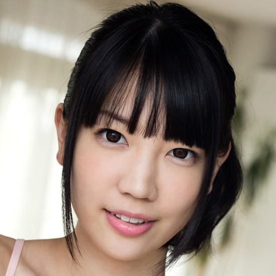 【鈴木心春】永久脱毛のパイパンロリ系巨乳美少女の動画像、SNS情報