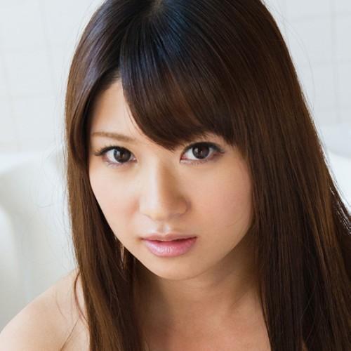 【緒川りお】アイドル級で清楚 スレンダー美乳美少女の動画像、SNS情報