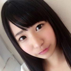 【栄川乃亜】小柄で幼児体系な可愛いロリ系美少女の動画像、SNS情報