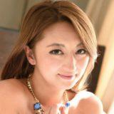 【吹石れな】日焼け跡がエロいスレンダー巨乳熟女の動画像、SNS情報