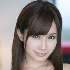 【小島みなみ】小柄で可愛いアイドル級の巨乳美少女の動画像、SNS情報