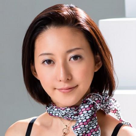 【松下紗栄子】元CAでスタイル抜群 正統派美人の動画像、SNS情報