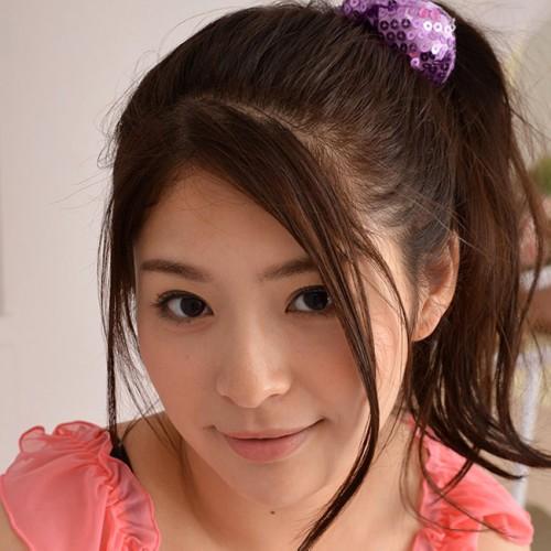 【めぐり】爆乳巨尻ムチムチボディなロリ系美女お姉さんの動画像、SNS情報