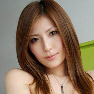 【椎名ゆな】引退したツンデレ系スレンダー巨乳お姉さんの動画像、SNS情報