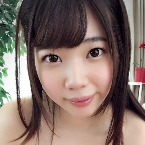 【斉藤みゆ】色白で美爆乳 清純そうなロリ可愛い美少女の動画像、SNS情報