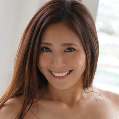 【仁美まどか】笑顔と白い歯が可愛いスレンダー美女の動画像、SNS情報
